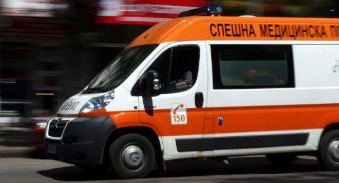 Блъснаха 13-годишно момче в Сливен, докато пресича неправилно