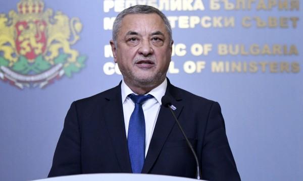 Валери Симеонов: Правителството остава до края на мандата