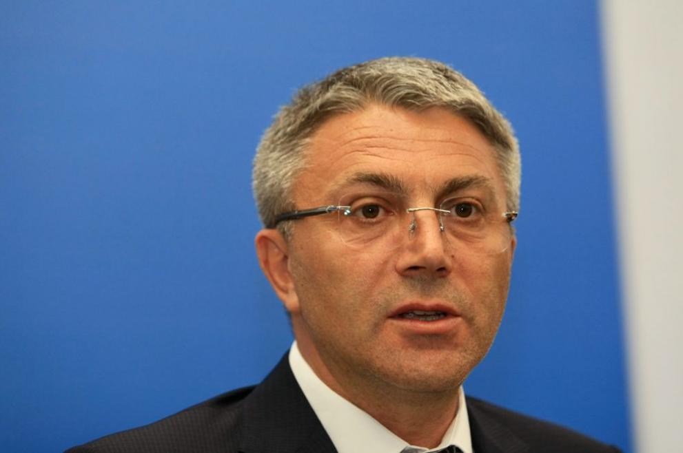 ДПС поиска оставка на Радев и правителството
