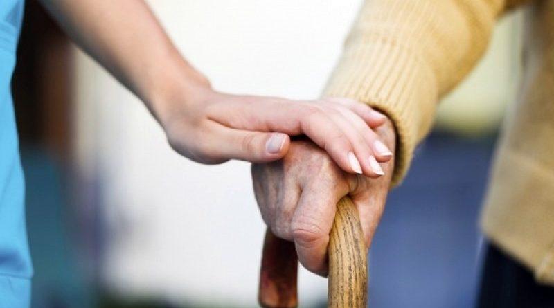 Община Сливен предоставя патронажна грижа за възрастни хора, лица с увреждания и карантинирани