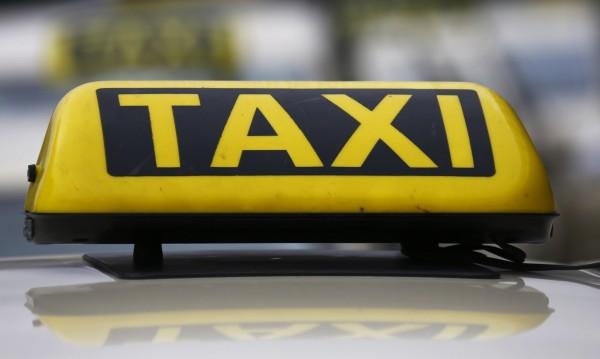 Такситата в Сливен ще плащат по-нисък данък от догодина