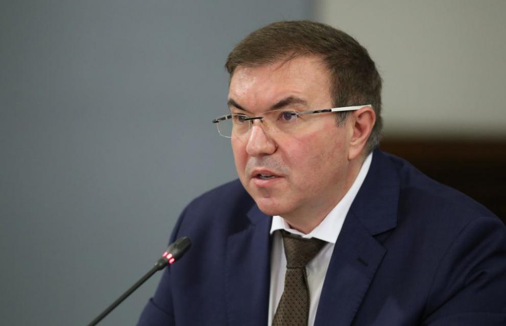 Здравният министър: Епидемията е под контрол, очакваме доставка на още ваксини
