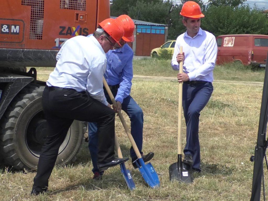"""Започна изграждането на канализация в кв. """"Речица"""""""